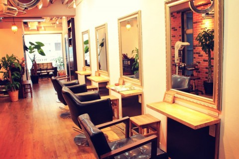 One WORLD  [International Hair Salon] ~Azabu Juban~